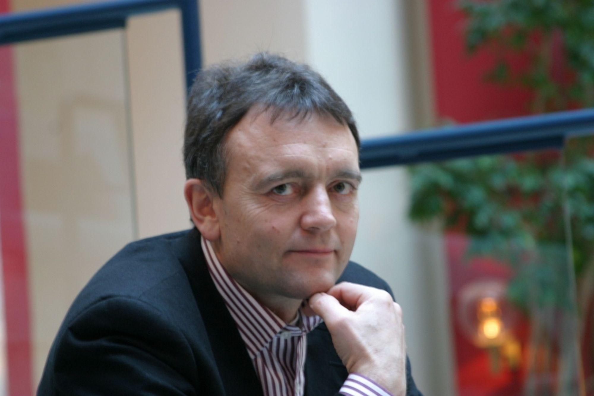 FREMTIDSTANKER: Nyansatt fabrikkdirektør ved Norske Skog Skogn, Knut Dreier, har positive tanker om fremtiden selv om kraftsituasjonen i Midt-Norge er vanskelig i dag. ¿ Norsk gass må være tilgjengelig for innelands foredling, ikke bare i Europa, sier han.