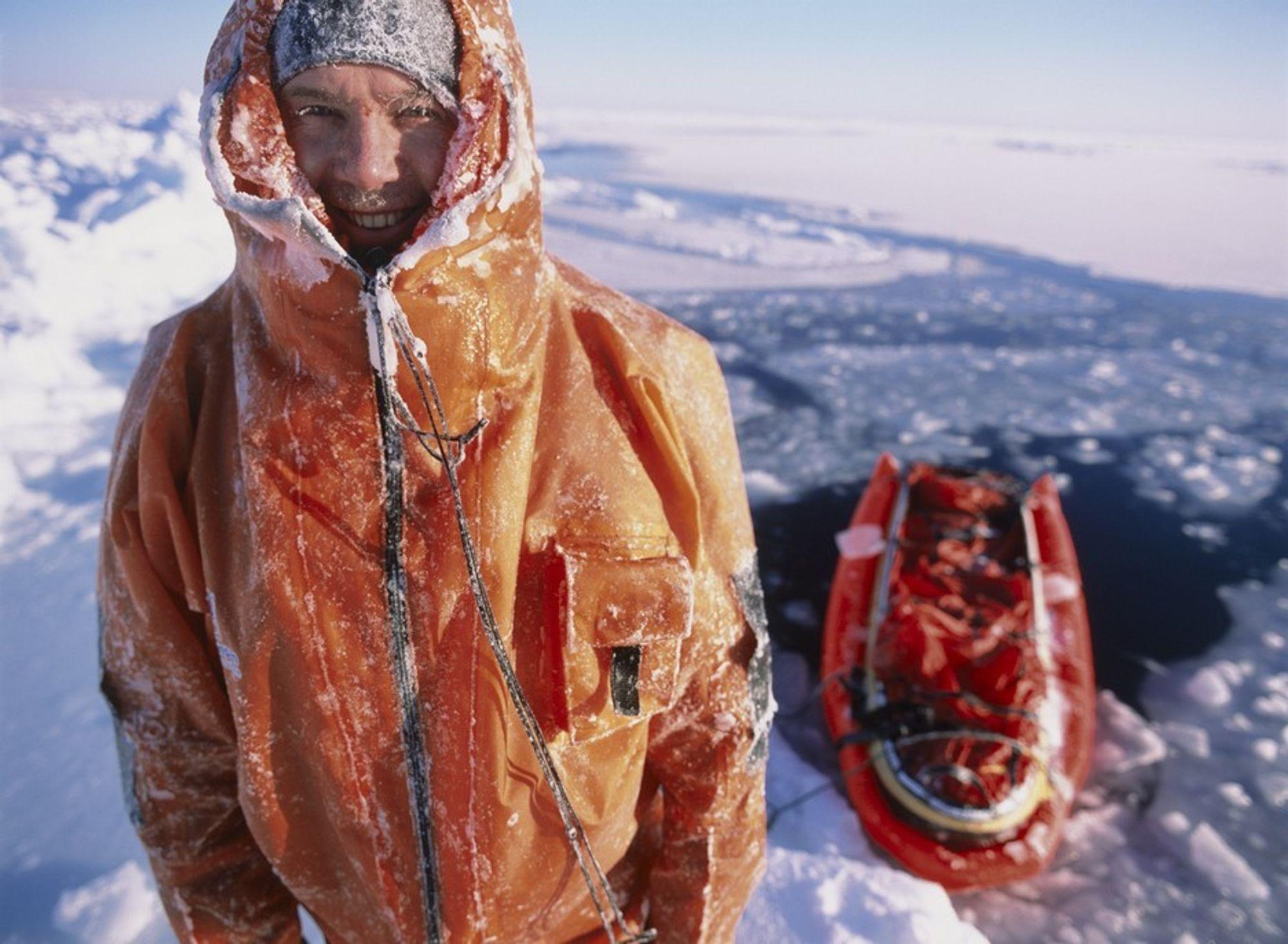 Den britiske polfareren og miljøverneren Pen Hadow leder Vanco Arctic Survey som nå er utsatt til 2009.