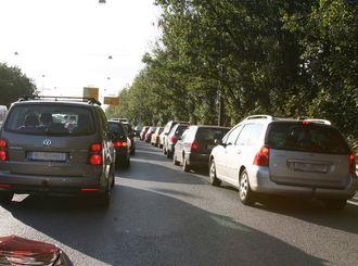 En eneste bil kan skape trafikkaos dersom bilene ligger tett. Bildet viser kø i Oslo.