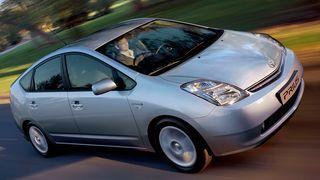 Hybridbilen Prius blir oppladbar