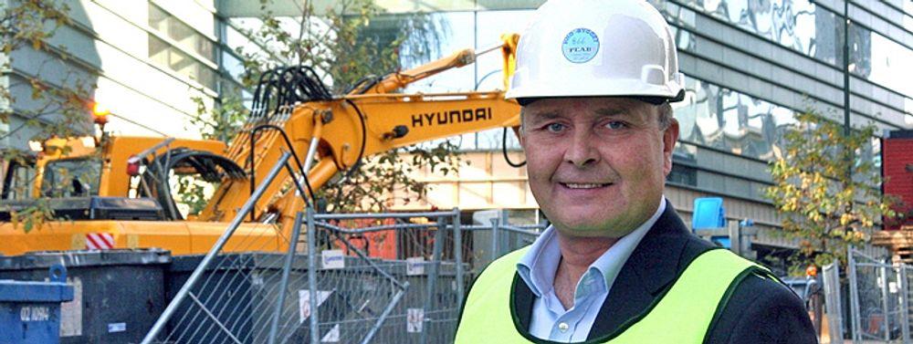 - Finanskrisen vil få betydning for byggenæringen ut over 2009. Det er derfor viktig at det umiddelbart settes i gang et arbeid med å planlegge og prosjektere bygg som det er samfunnsmessige behov for å oppføre, sier BNL-direktør Ketil Lyng.