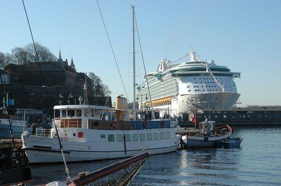 Indepence of the Seas er bygget ved Aker Yards i Finland for RCCL. Skipet er på 154.407 bruttotonn og plass til 4.375 passasjerer.