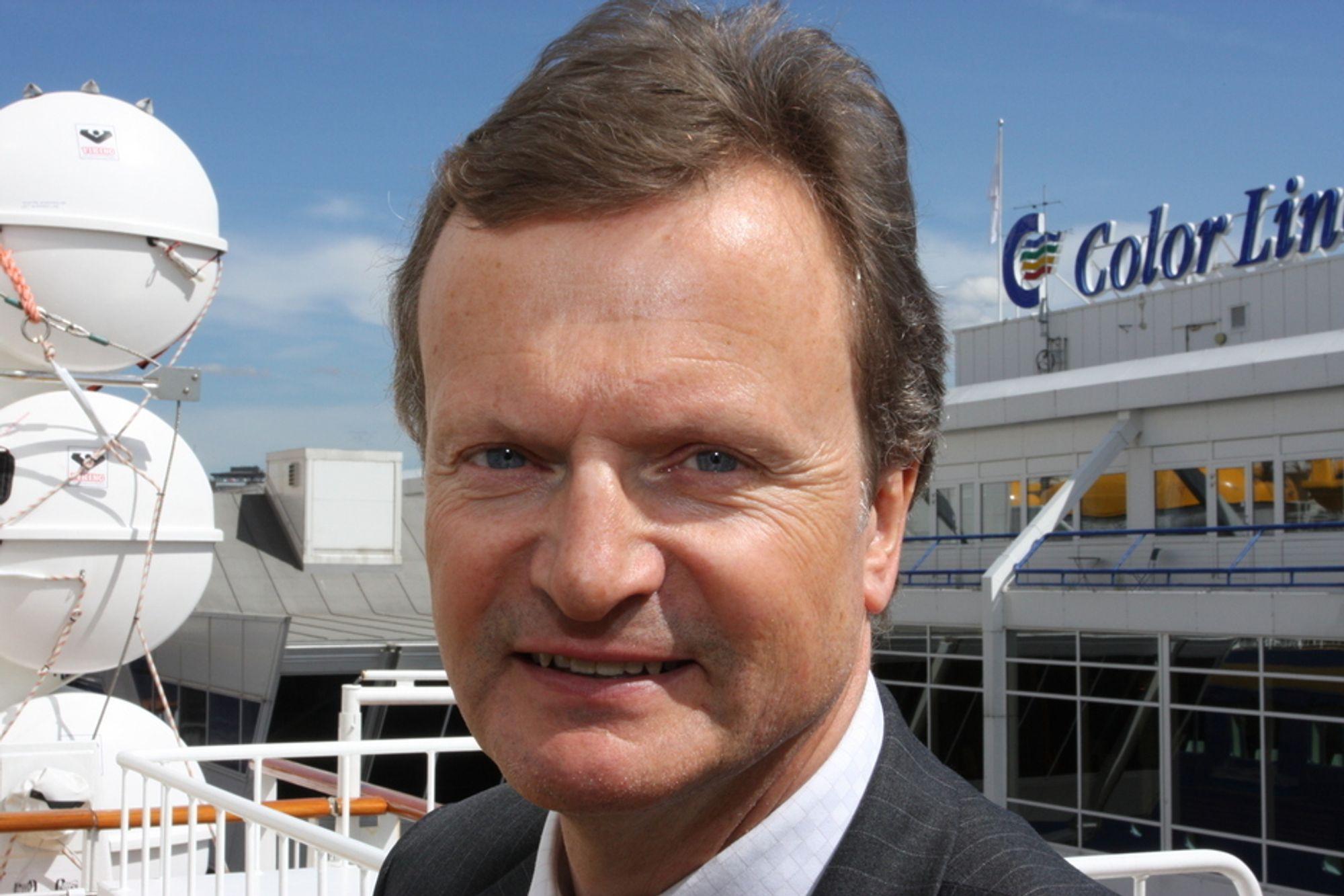 PÅ DYPT VANN: Telenors konserndirektør Jon Fredrik Baksaas kommenterte Bangladesh-skandalen under åpningen på bransjetreffet Telecruise.