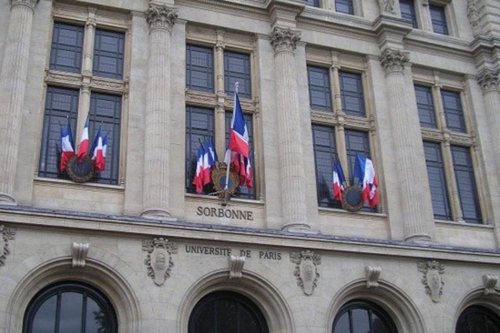 Univeristetet Sorbonne i Paris.