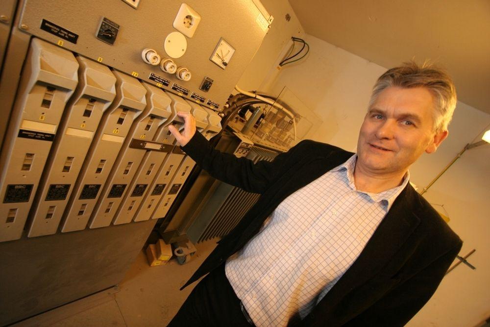 NORSK SVENSKEKONGE: Konsernsjef Oddbjørn Schei og Troms Kraft har suksess i Sverige med miljøriktig kraft kombinert med salg av kulturprodukter. Denne type annerledes produktbundling er ikke vanlig i den norske kraftbransjen.