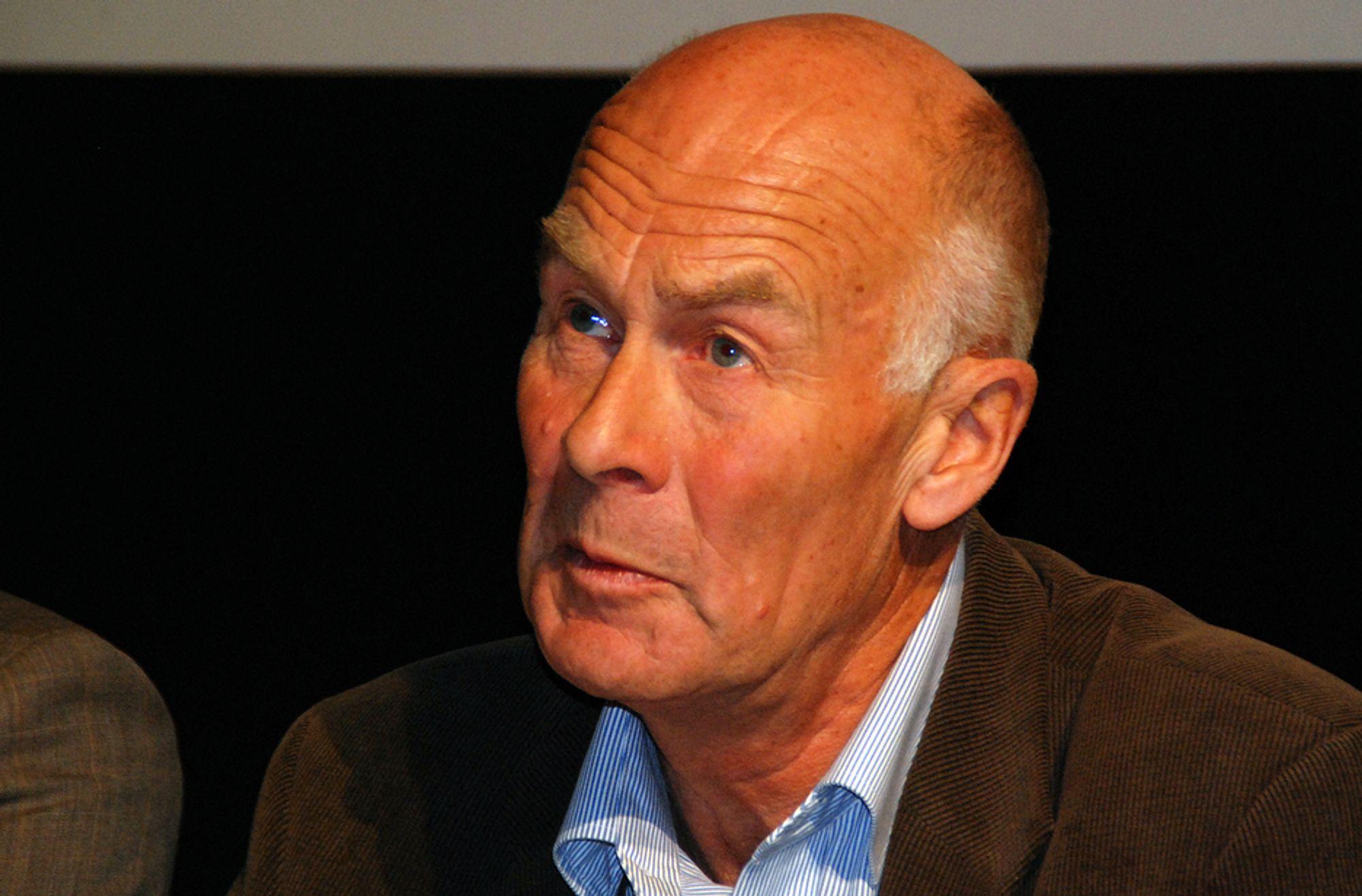Adm.dir. Sverre A. Larssen i Byggenæringens Landsforening krever at Regjeringen gir en ekstraordinær redningspakke til byggenæringen.