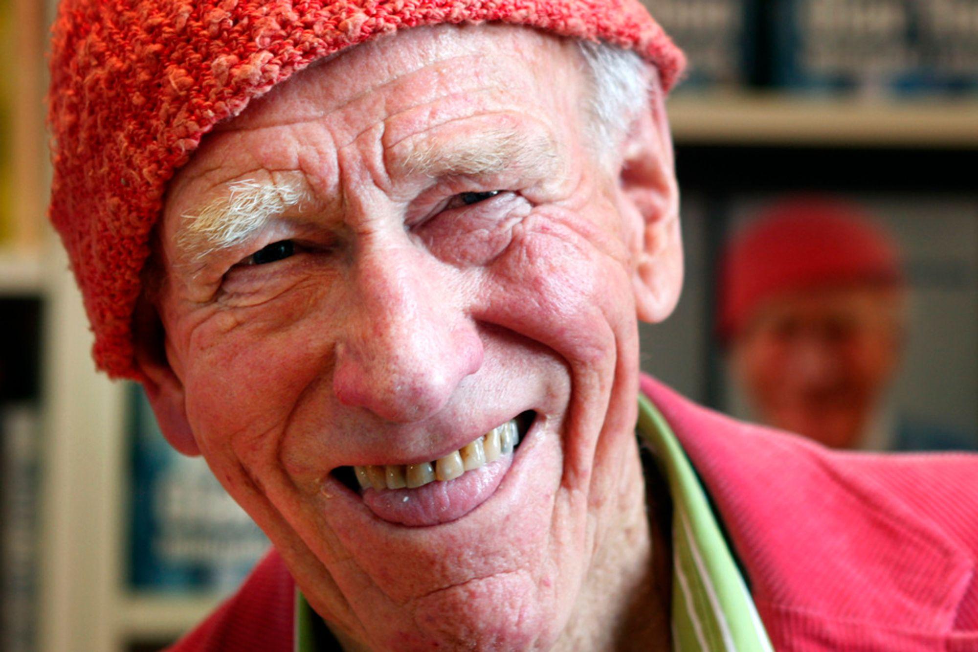 Biografien 'Olav Thon - Milliardær i anorakk», skrevet av Hallgrim Berg, ble sluppet fredag. Thon sier nå at han vil at milliardformuen skal gå til forskning på realfag og medisin.