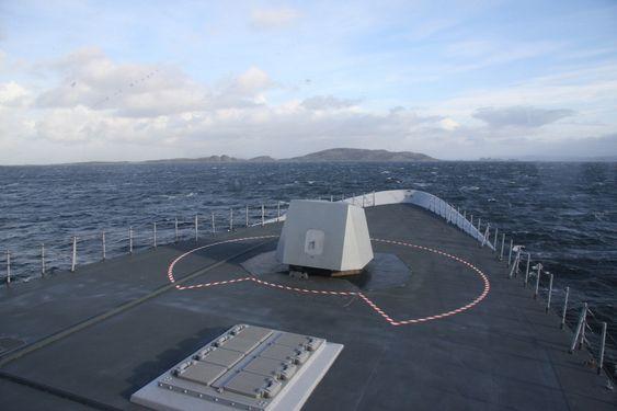 Kanondekket på den nye fregatten KNM Roald Amundsen.
