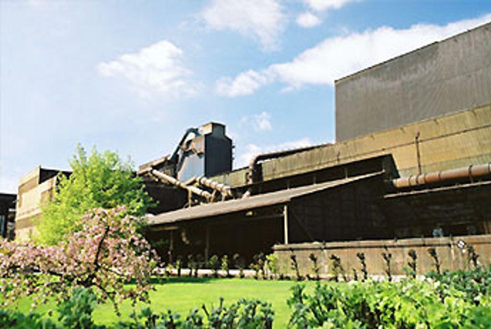 Eramet Smelteverket i Porsgrunn ble etablert i 1913 og ligger ved Hydro Porsgrunn industripark. I Porsgrunn bor det ca 30.000 innbyggere, og ERAMETs avdeling i Porsgrunn har 215 ansatte. Foto: Eramet