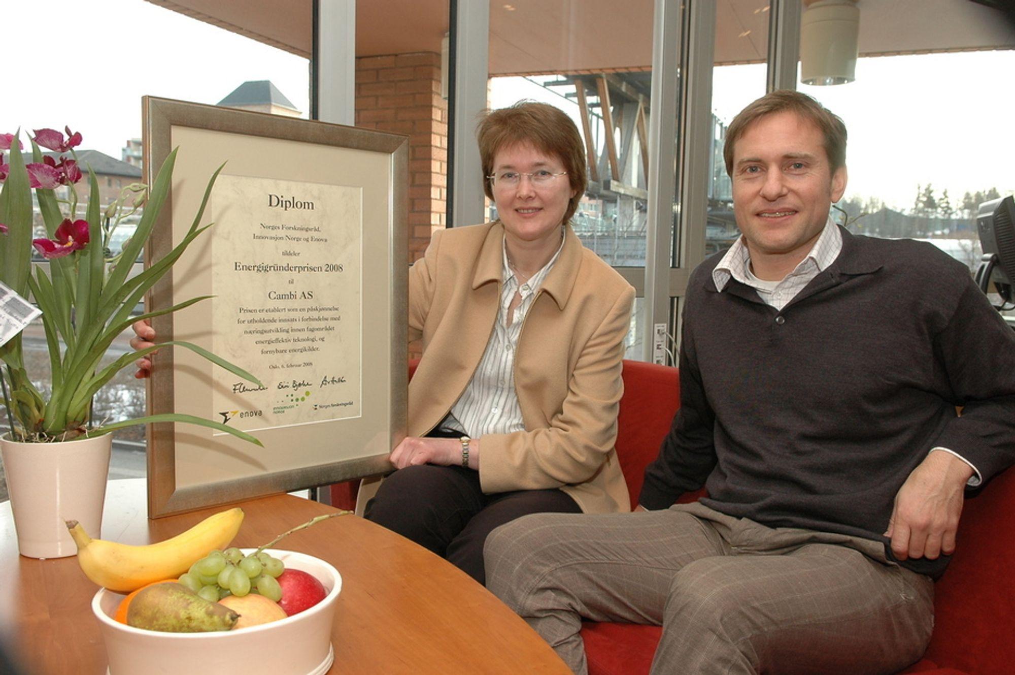 ENERGIGRÛNDER: I 2008 fikk Cambi energigründerprisen. Her med to sentrale medarbeidere, teknologidirektør Meret Norli og Harald Keiven