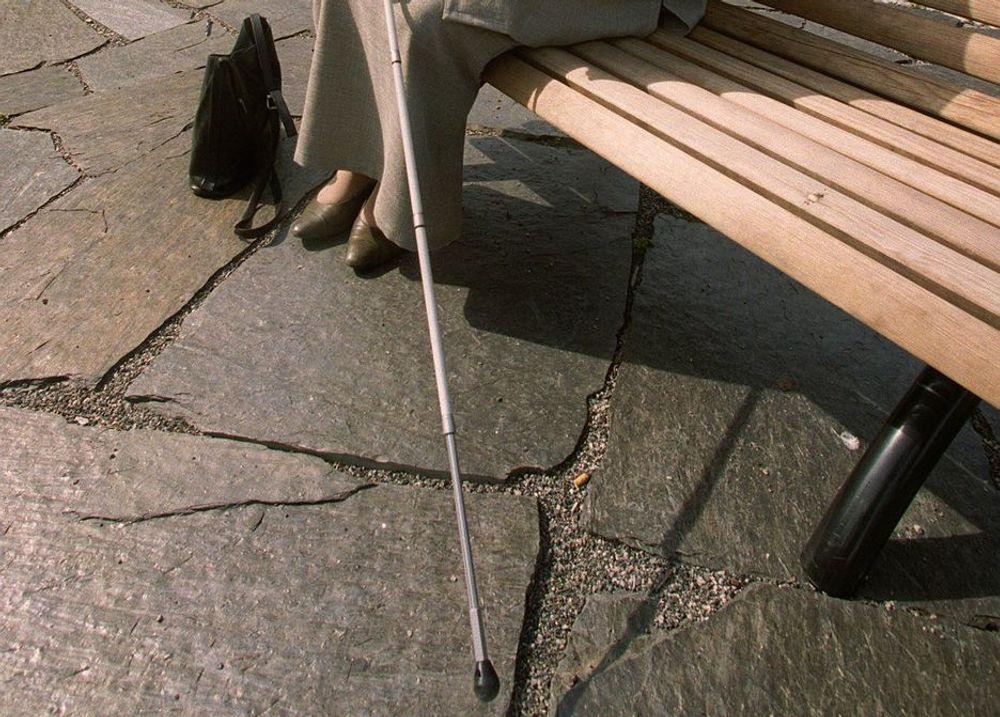 Enklere. Den hvite stokken blir et elektronisk redskap for blinde.