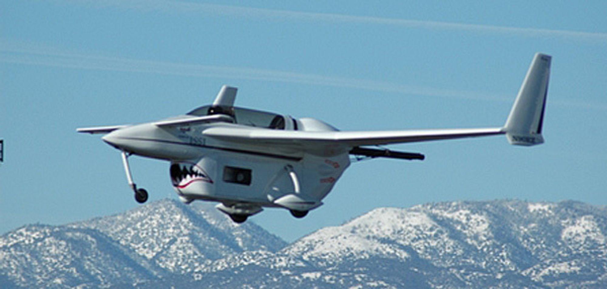 Dette Long EZ-flyet, utstyrt med pulsdetonasjonsmotor, fløy i 10 sekunder over Mojave-ørkenen tidligere i år. Teknologien kan gi drastiske hastighetsøkninger.