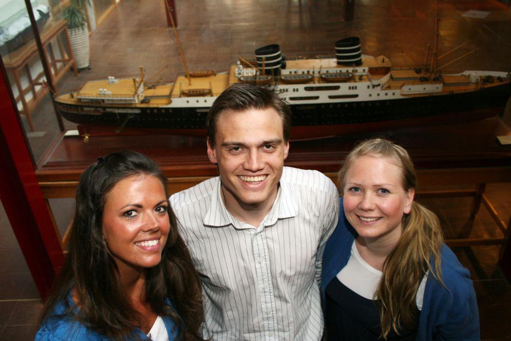 I FOKUS: Fra venstre Veronica Stevenson fra Stavanger, Torkel Ugland fra Stjørdal og Ingrid Slevikmoen fra Oslo. Det er 12 jenter på årets kull av 60-70 marinstudenter. Ingrid har vært med i rekrutteringsgruppa, og forteller at de har ekstra fokus på rekruttering av jenter til marinstudiet.