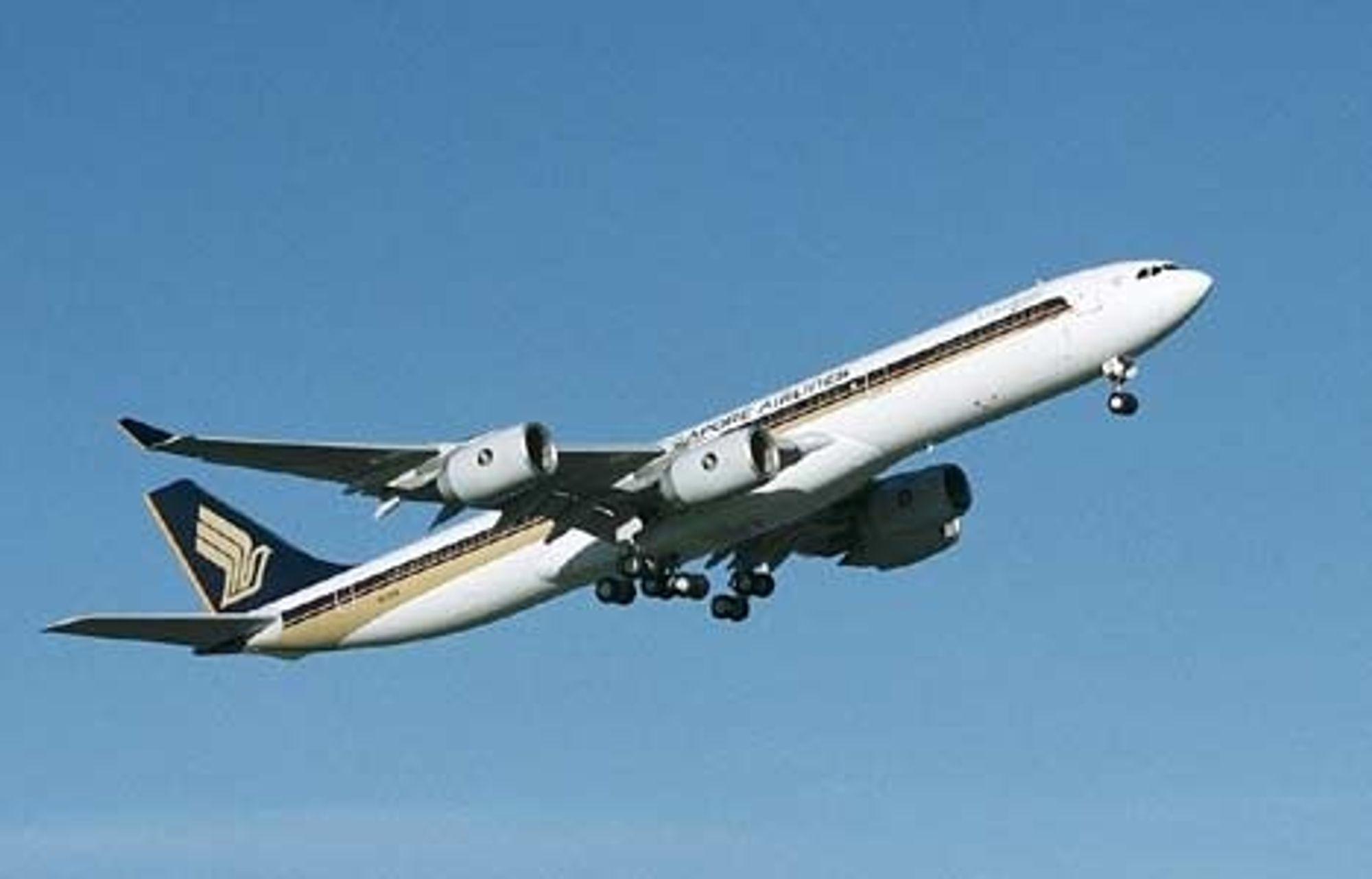 SIKRE: Flytrafikken blir sikrere og sikrere, trass i ganske solid trafikkøkning. Mye av den økte sikkerheten tilskrives bedre lufttrafikkstyring, bedre flyplassutstyr og sikrere fly. Singapore Airlines har ikke hatt en ulykke siden år 2000.