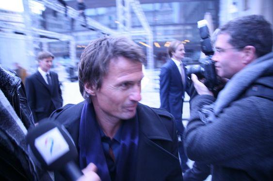 Petter Stordalen ankommer Vika kino.