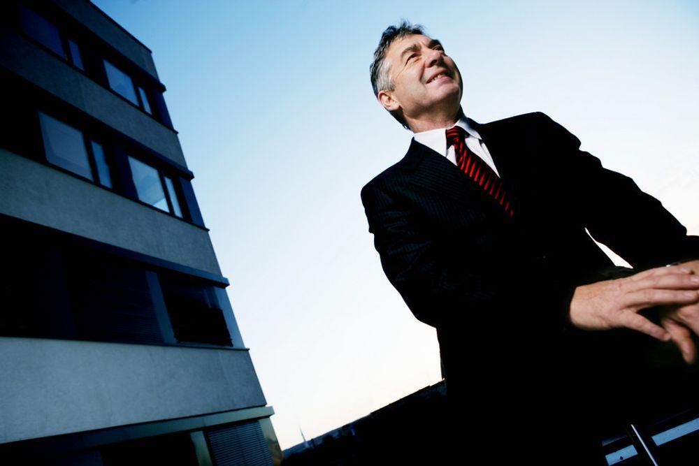 ÆRLIG MELDING: - Jeg ville ikke hatt meg selv som sjef, sier Svein Berntsen. Dermed vet nye Umoe IKT-konsulenter hva de går til.