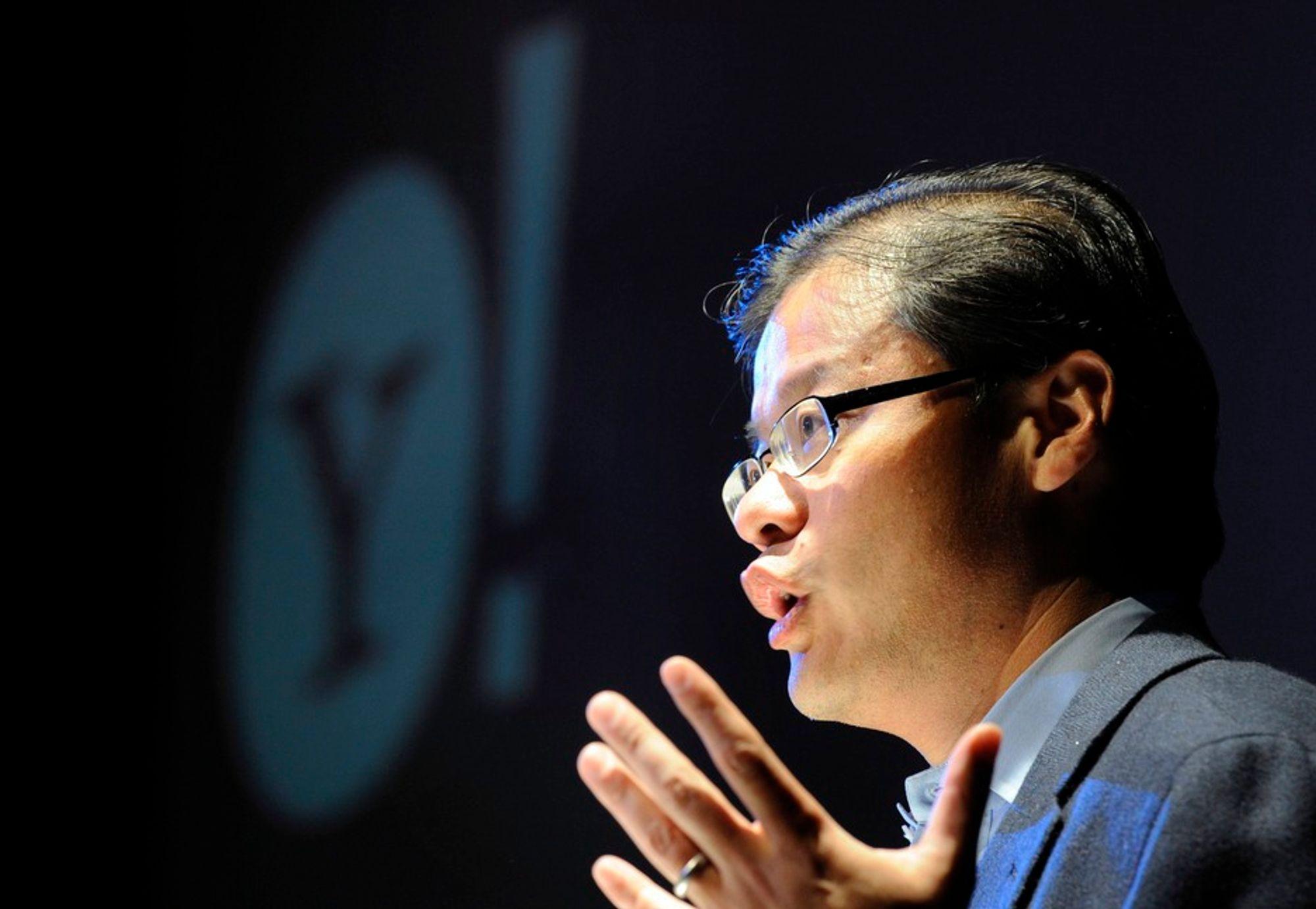MÅTTE GÅ: Yahoo-sjef Jerry Yang terget til slutt på seg egne aksjonærer med sin Microsoft-skepsis.