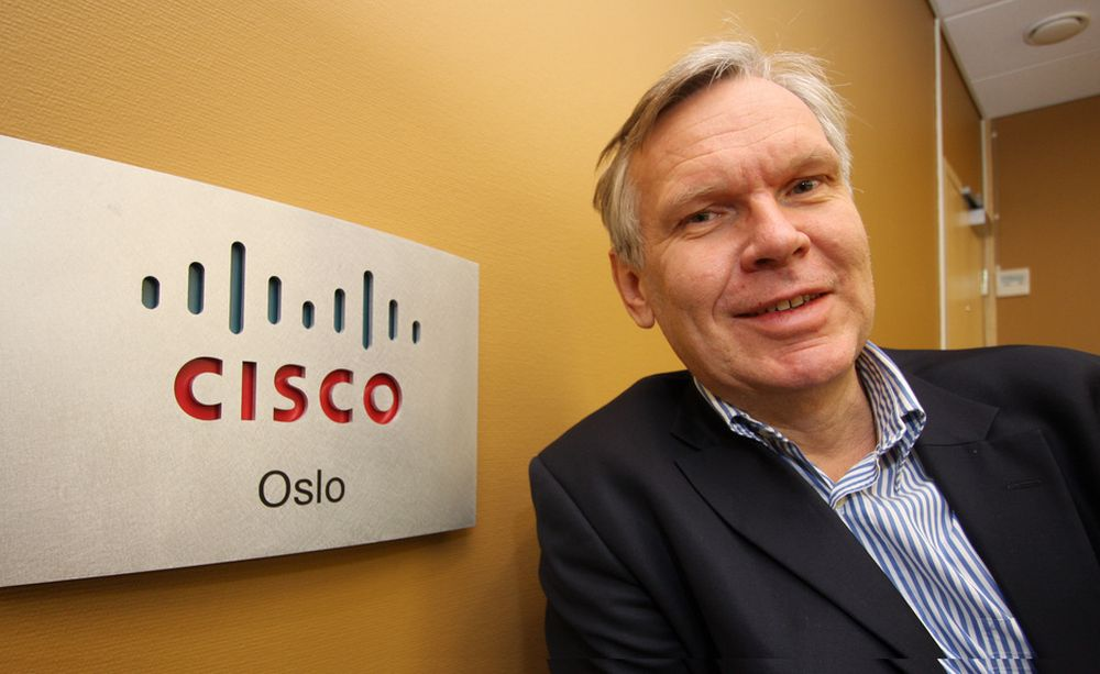 FUSJONERE, IKKE KONKURRERE:Adm. direktør i Cisco Norge, Jørgen Myrland gleder seg over at Tandberg blir en del av Cisco og ikke en konkurrent.