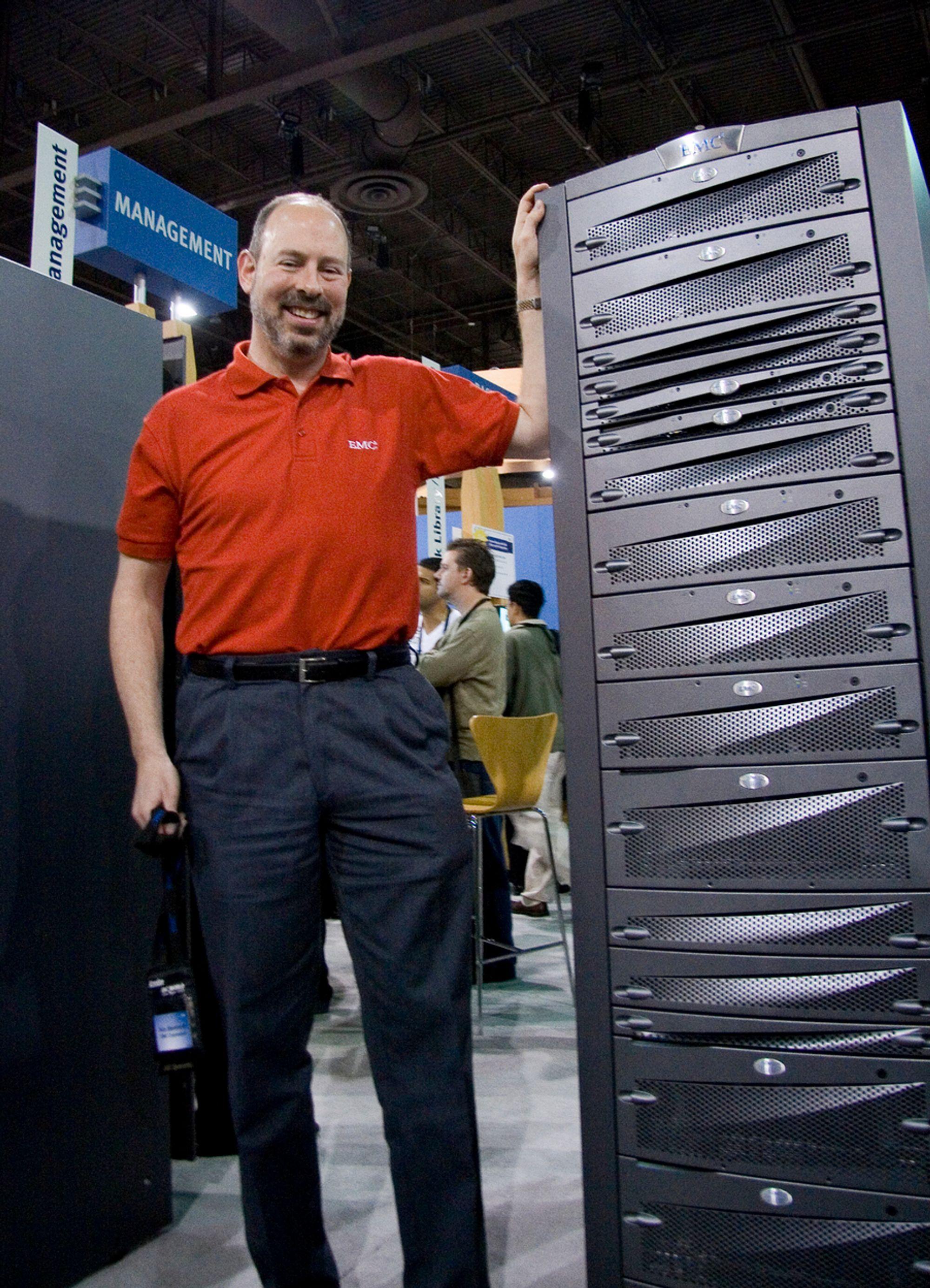 TROR VI KAN BREMSE: Teknologisjef Ken Steinhardt i EMC tor den villeste veksten innen datalagring kan bremses med ny teknologi