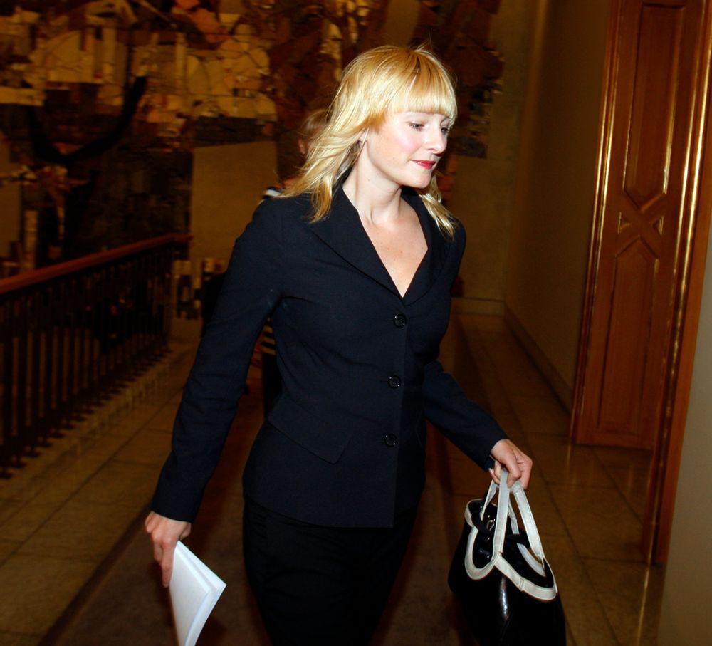 HAGA MÅ SVARE: Stortingsrepresentant for SV, Inga Marte Thorkildsen, krever svar på hvorfor regjeringen har stanset CO2-rensing på Mongstad. Svaret vil hun ha før jul.
