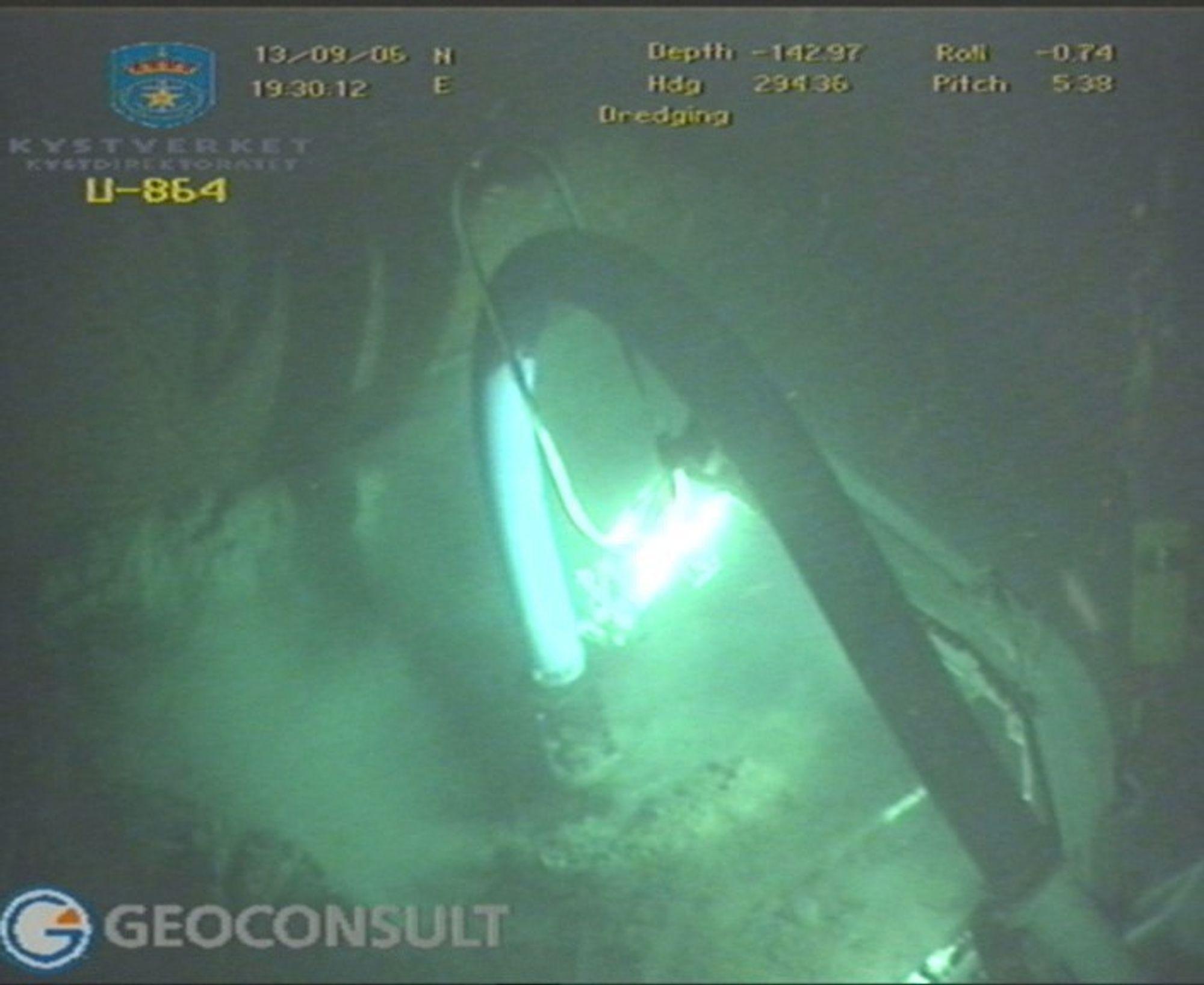 Ubåten U-864 er tysk, og ble senket ved Fedje i Hordaland 9. februar 1945. Den skal inneholde 70 tonn flytende kvikksølv.