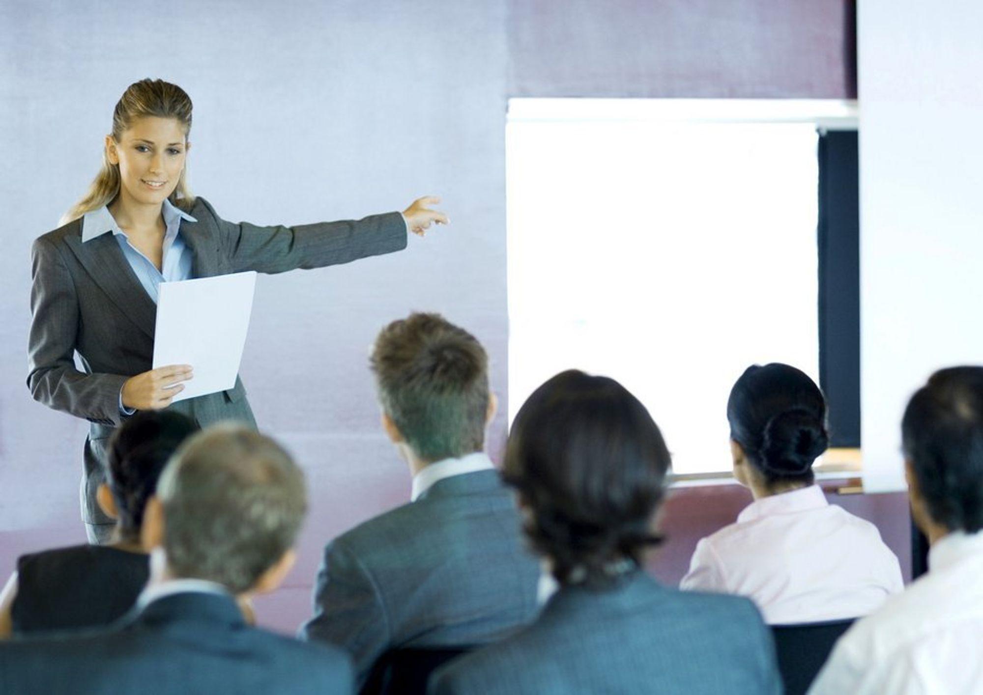 Powerpoint-presentasjoner bør avskaffes, mener australske forskere.