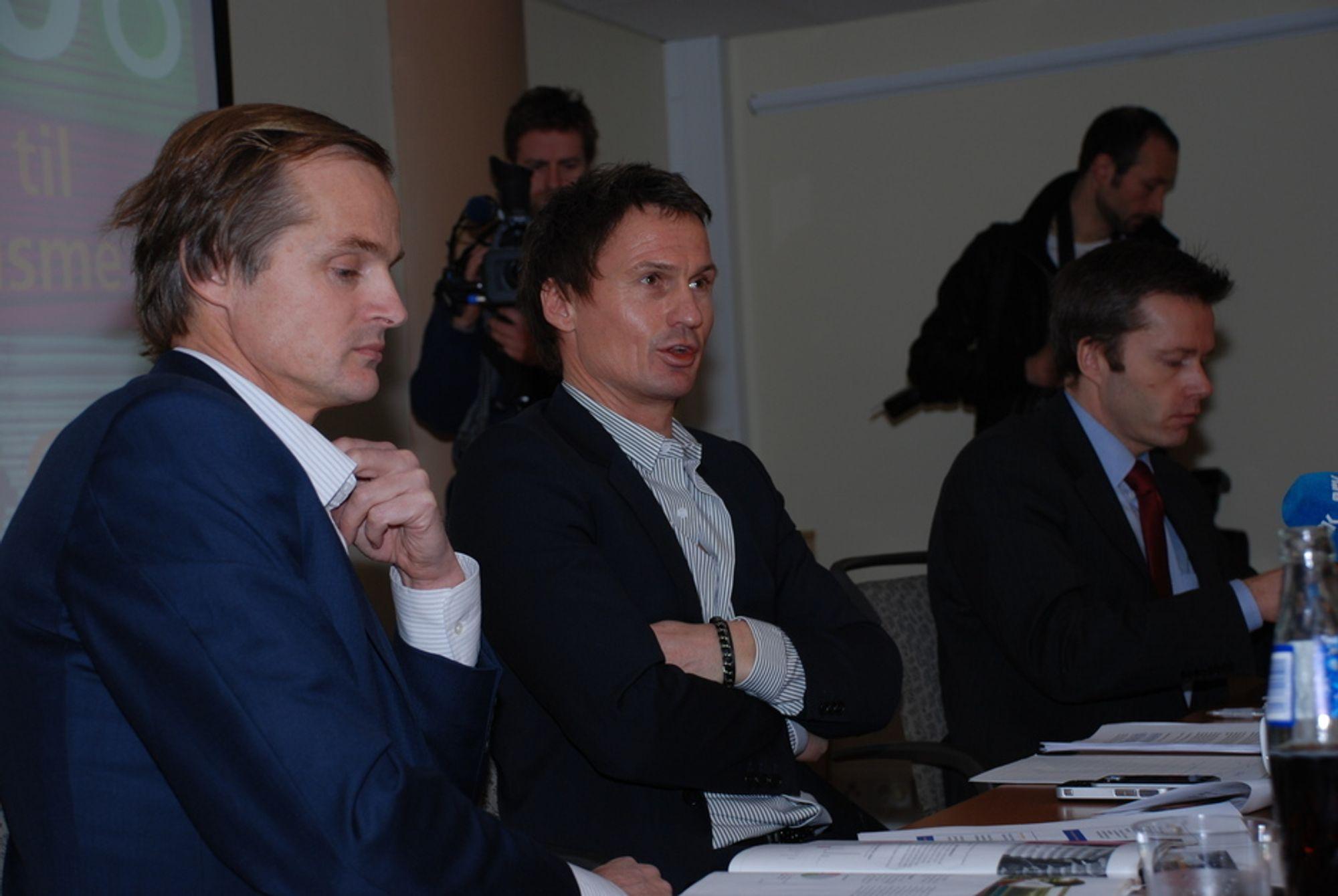 Øystein Stray Spetalen, Petter Stordalen og Ove Gusevik møtte et stort presseoppbud da de lanserte sitt selskap Unionen AS' oppkjøp av ytterligere eierandeler i Norske Skog.