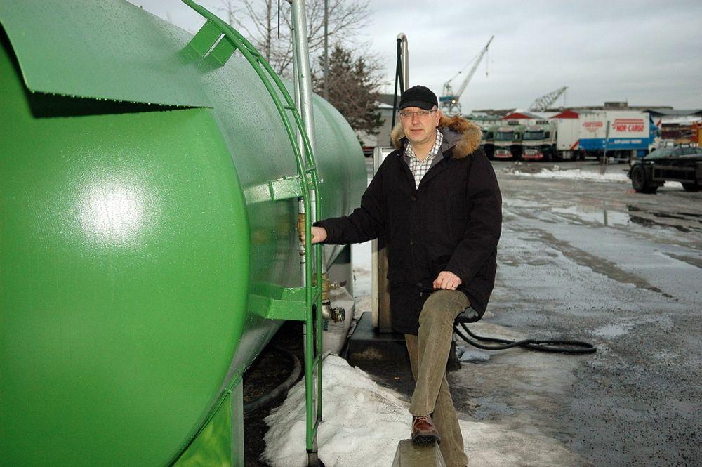 """PUMPEPÅBUD: Rødgrønne stortingspolitikere vil tvinge bensinstasjoner til å selge """"grønt"""" drivstoff."""