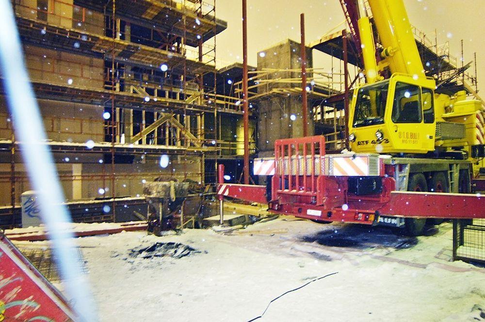 Biohuset i Hamar. Bygget av NCC Construction. Fire etasjer raste sammen mandag 5. februar 2007 under bygging. Til sammen 18 hulldekkelementer.