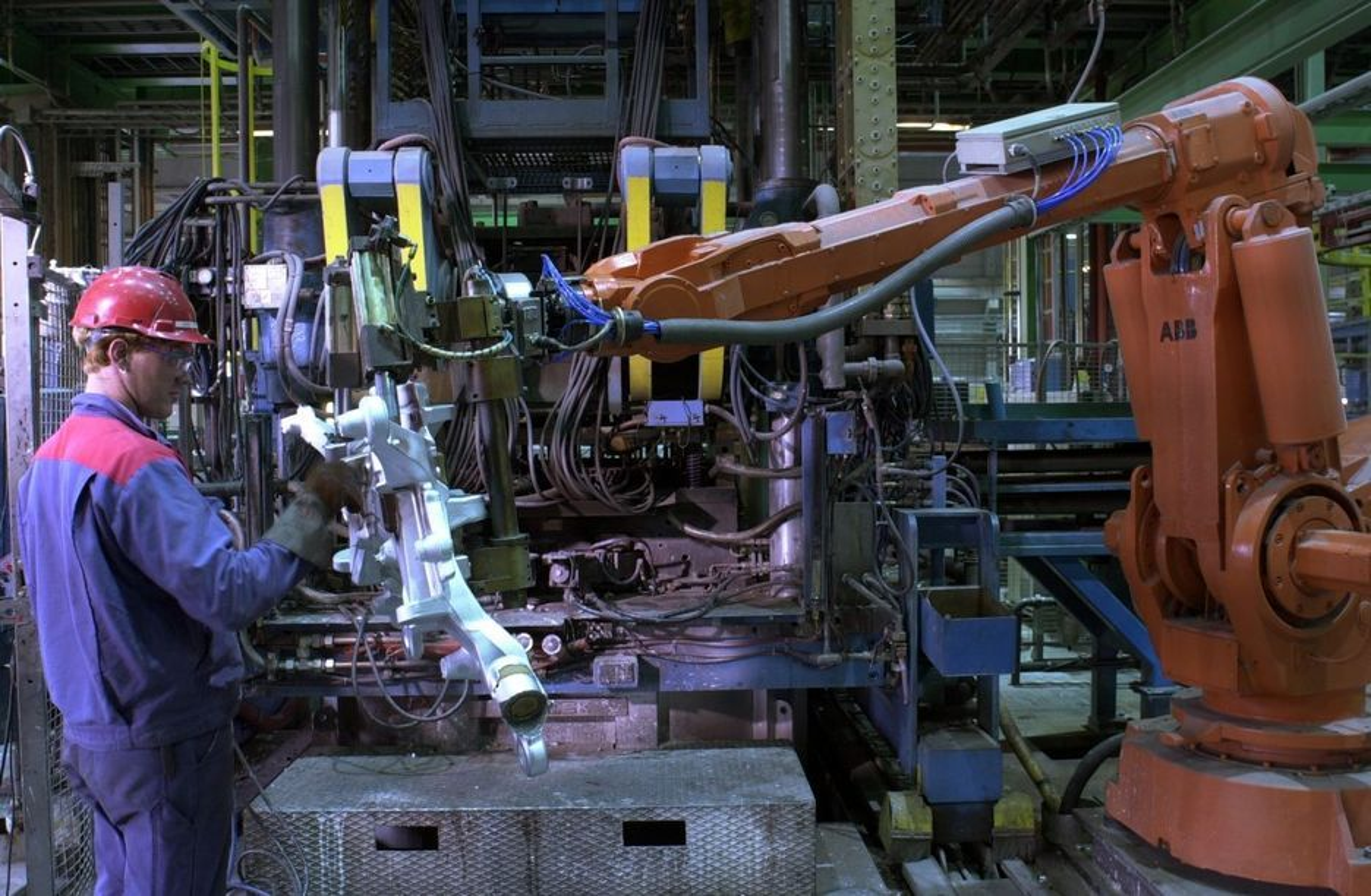 Produksjon av bildeler i aluminium ved Alcoa på Lista.