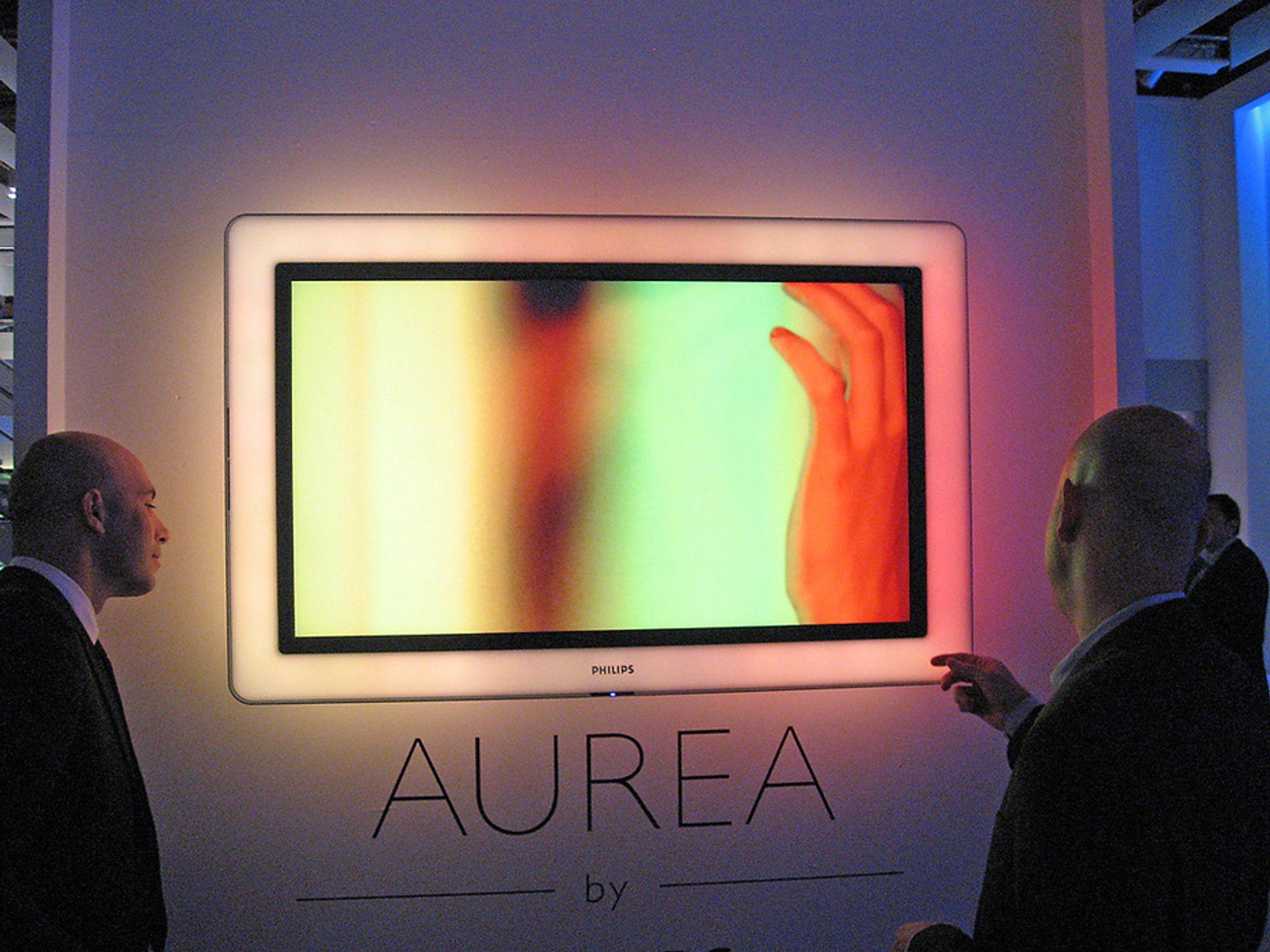 Philips forfører med lys - rundt TV-rammen og bak og på siden. Dte kan forsterke seeropplevelesen.