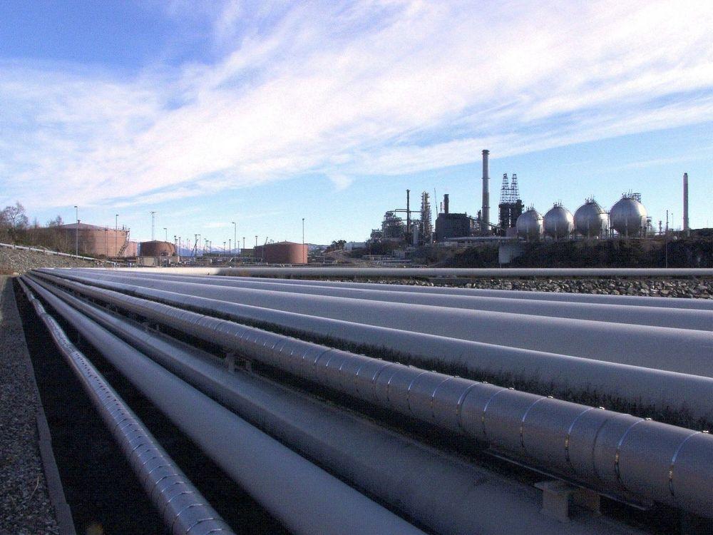 14 DAGER: Etter brannen på Statoils raffineri på Mongstad, ble produksjonen i deler av anlegget stengt ned i to uker. Totalkostnaden ved brannen var rundt 100 millioner kroner. Svikt i prosedyrer og planlegging av arbeidet kostet Statoil dyrt. FOTO: AJS