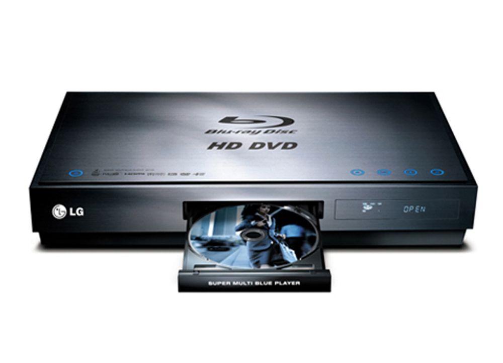 """DOBBELVINNER: LG BH100 spiller både HD DVD og Blu-Ray-formatet i full kvalitet, og for det ble spilleren både kåret til """"Best in show"""" og beste produkt i kategorien for hjemmevideo under CES. Spilleren er dyr, men gjør at du kan se akkurat de filmene du liker - uten å tenke på om spilleren din er kompatibel."""