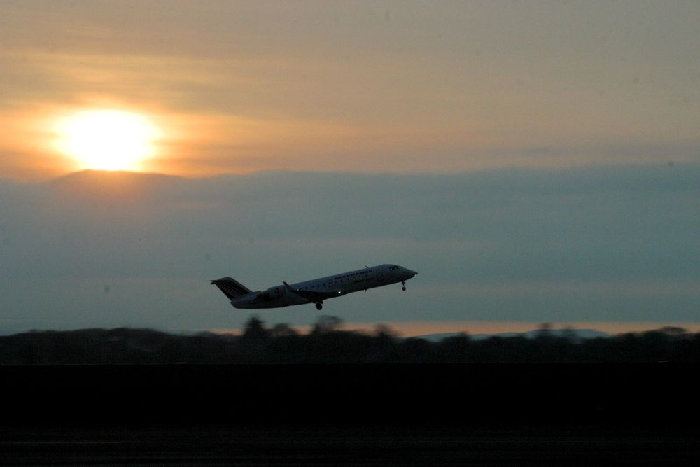 TRYGGERE: Det skal bli tryggere på Stord lufthavn, som nå får ny brannstasjon.