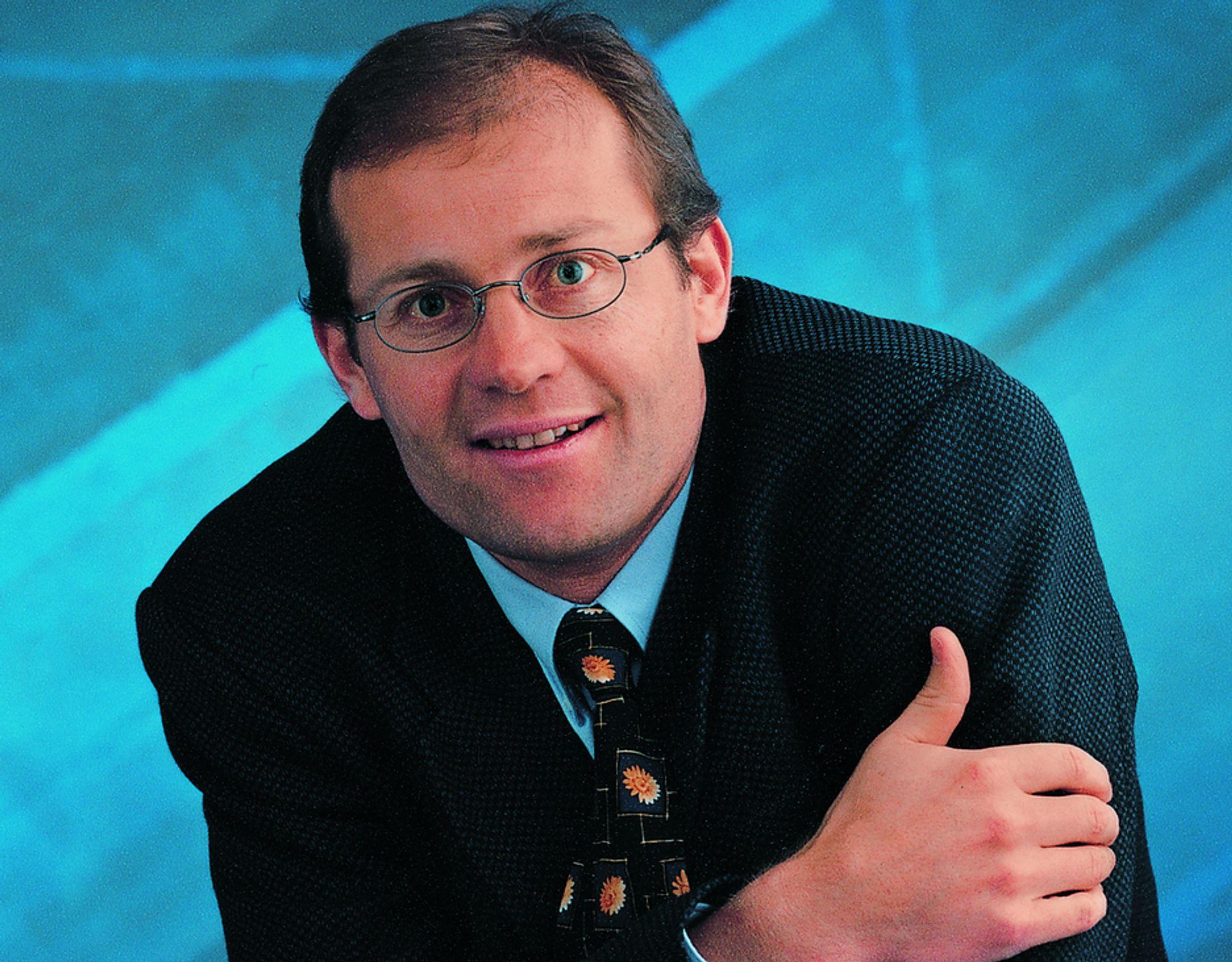 LEVER AV BREDBÅND: Konsernsjef Martin Reichle gjør det meget bra. Selskapet han leder, Reichle & De-Massari, utvider nå virksomheten med et nytt produksjonsanlegg slik at de kan lage mer kabler til bredbåndsselskapene.