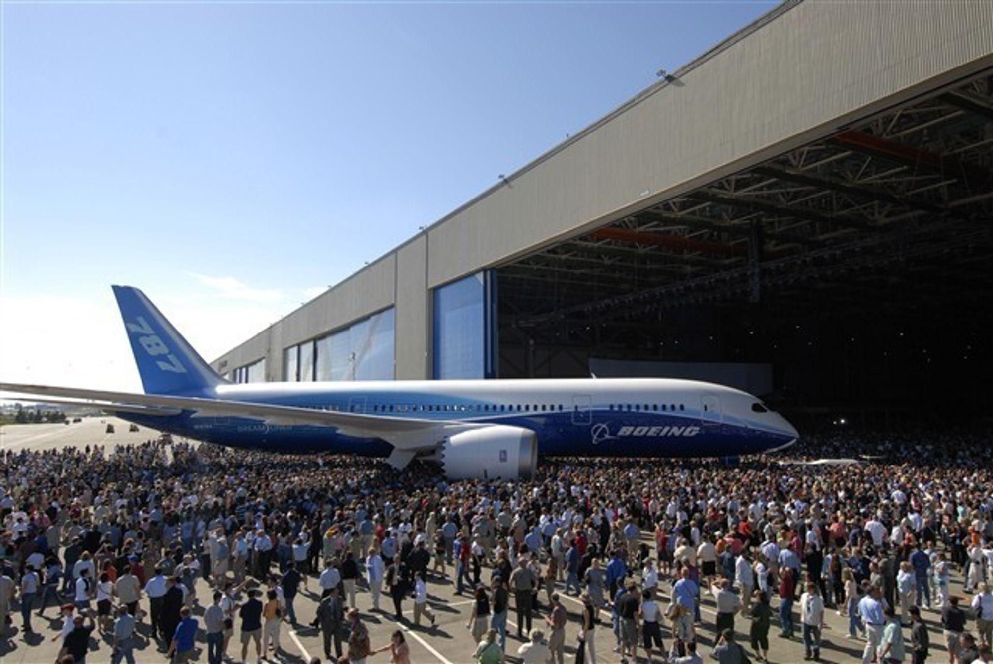 Første flygning med Airplane One av Boeings 787 Dreamliner er nå utsatt til oktober.
