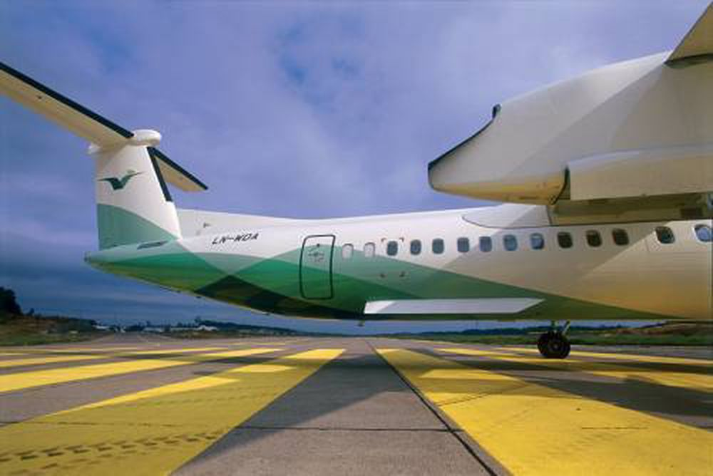Dash 8. Widerøe. Luftfart. Flytrafikk. Lufthavn. Flyplass. Småfly. Småflyplass. Twin Otter.