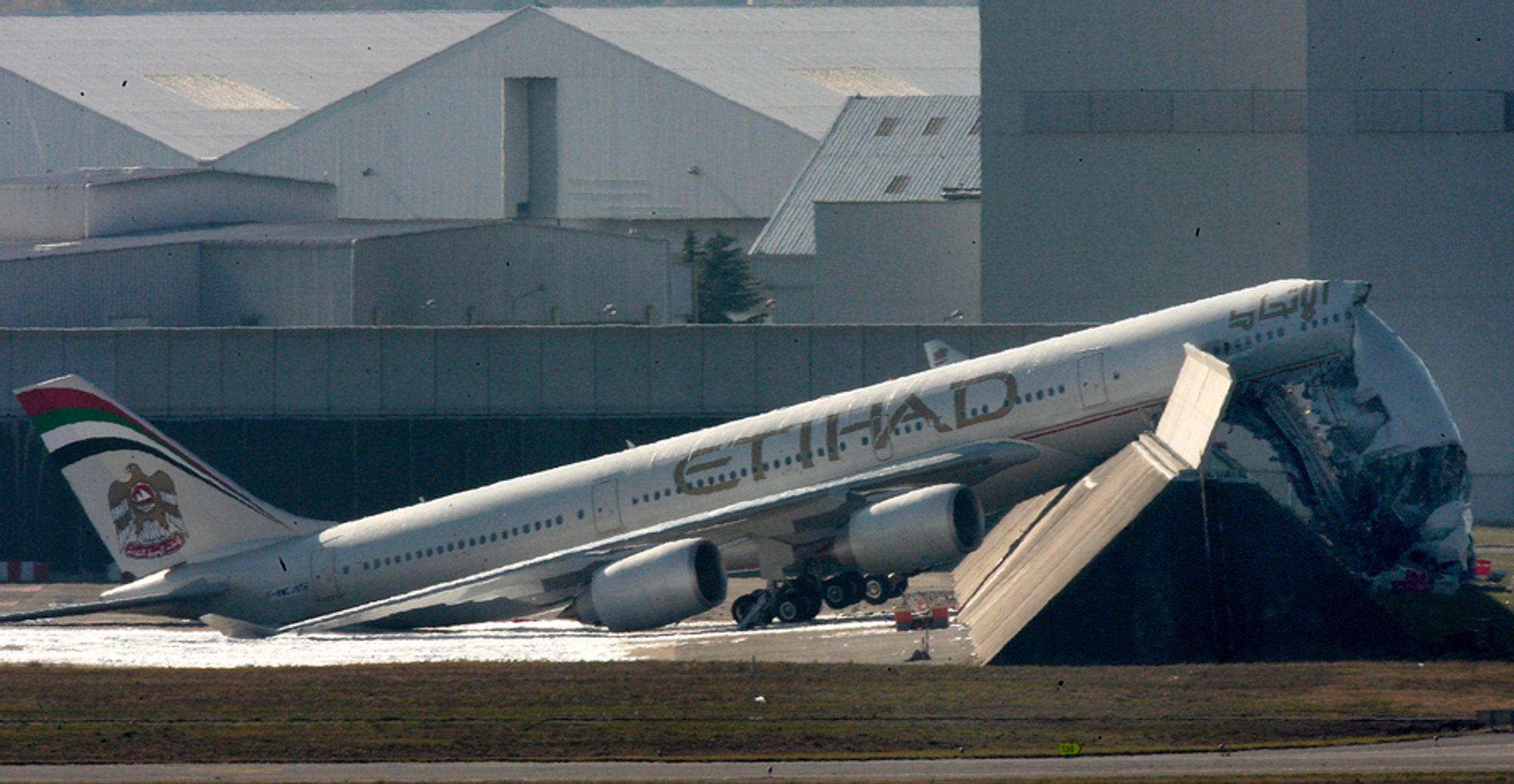 I forrige uke ble dette A340-600 totalskadd under en motortest. Bare seks dager etter har Airbus hatt en ny testulykke.