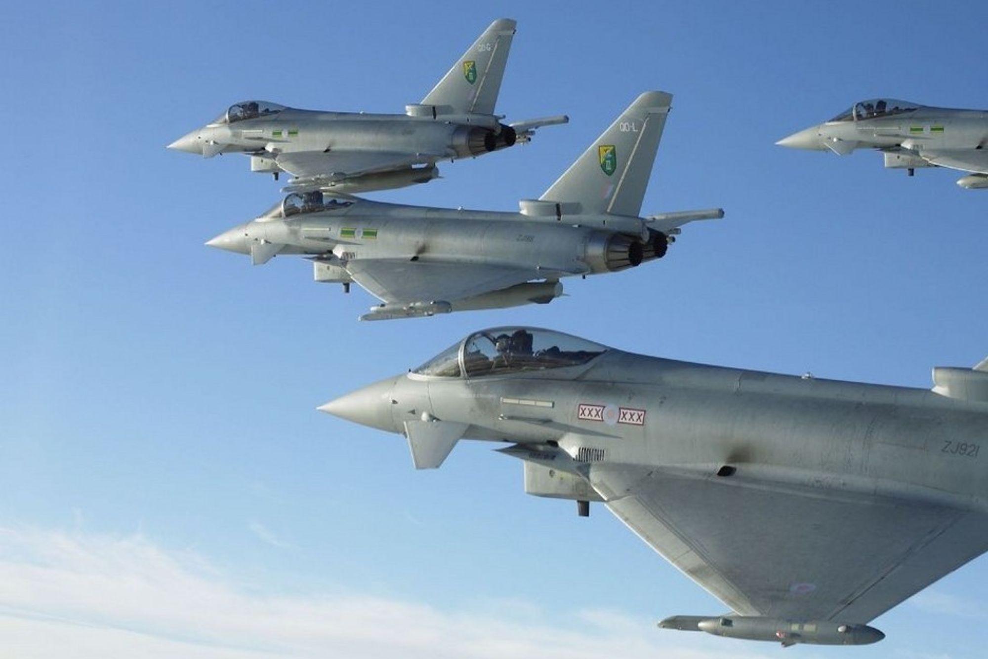 MILLIARD: Så fort en ny industriavtale kommer i stand mellom Eurofighterkonsernet EADS og norsk forsvarsindustri, vil kontraktsummen kunne havne på rundt en milliard kroner, om dagens avtaler regnes inn. Kampflyene er allerede i drift, og leveres fortløpende til flyvåpnene i Storbrittannia, Tyskland og Spania.