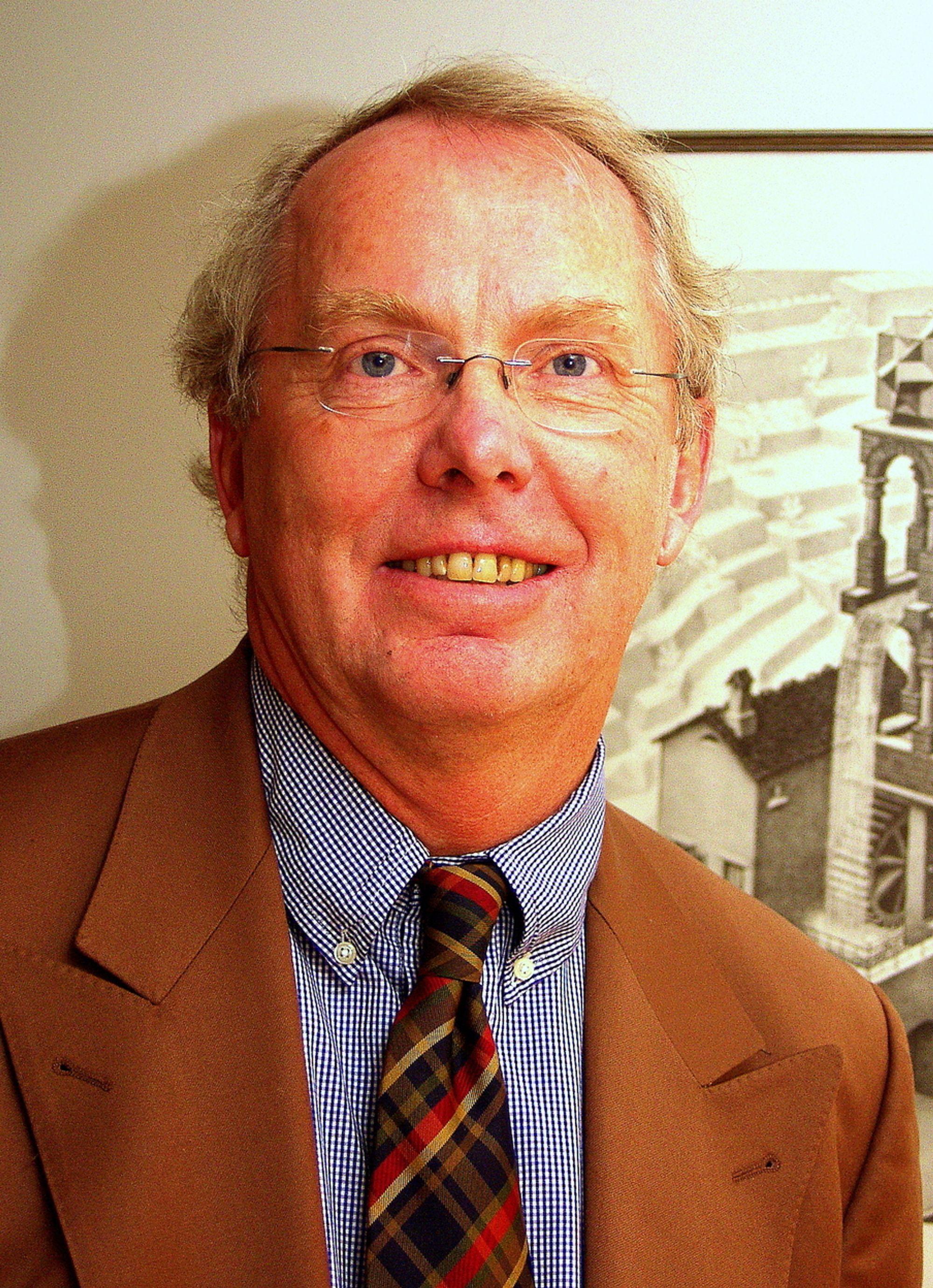 ¿ KOM TIL MEXICO, oppfordrer Kjell-Arne Oppebøen i Hydro. ¿ Norsk kompetanse er etterspurt, arbeidskraften er billig og dyktig, sier han.
