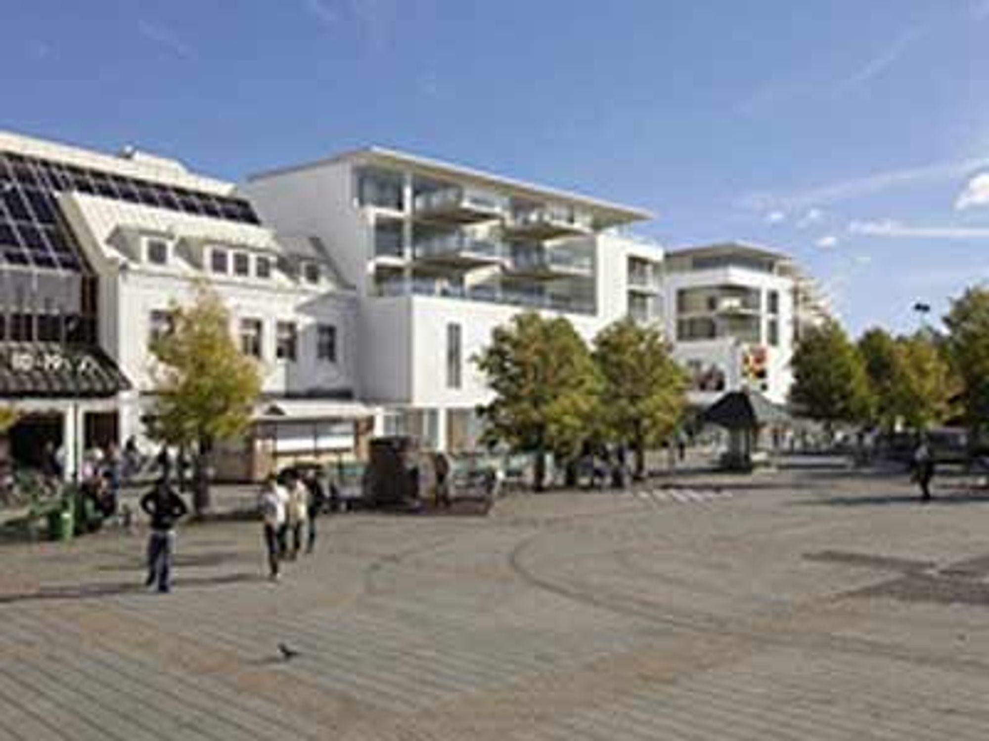 UTVIDES OG MODERNISERES: Hvaltorvet kjøpesenter utvides med 10.000 kvadratmeter og får 65 nye leiligheter. Veidekke har fått kontrakten.