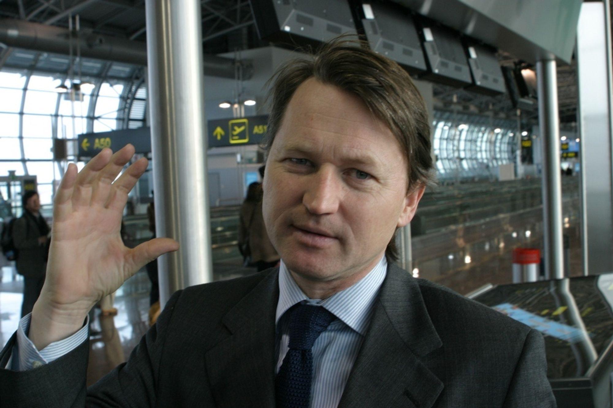 TALL PÅ BORDET: Norge skal ha lagt konkrete tall på bordet i fornybarforhandlingene, men Bellonas mann i Brussel, Paal Frisvold, vet ikke hva tallet er, og beskylder regjeringen for hemmelighetskremmeri.
