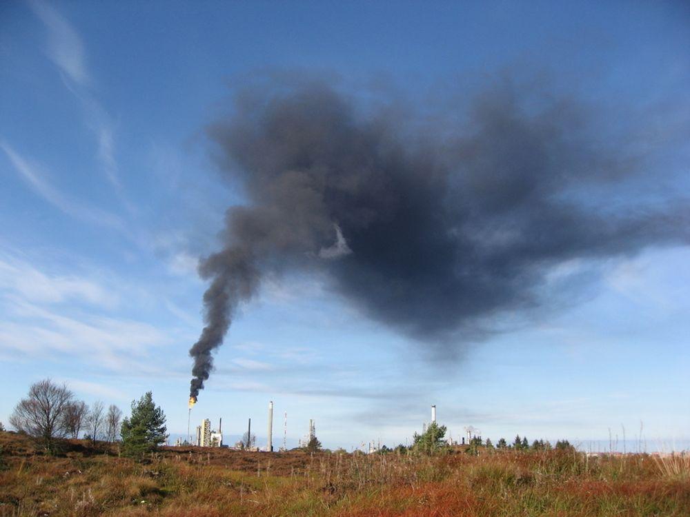 FULLT MULIG: Statoil frykter forsinkelser hvis man må droppe aminteknologien som skal rense Mongstad. Men Alstom tror det er fullt mulig å utvikle et fullskala renseanlegg innen fristen med deres nedkjølt ammoniakk-teknologi.