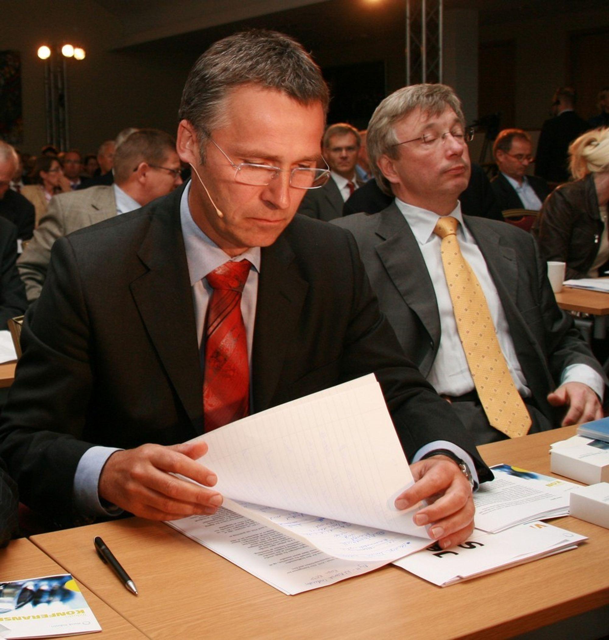 VIL HEVE LØNNA: Utenlandske arbeidstakere bør ikke få lavere lønn enn norske kolleger. Risikoen er at norske velgere ikke lenger støtter fri flyt av arbeidskraft, noe som vil ramme industrien, argumenterer statsminister Jens Stoltenberg.