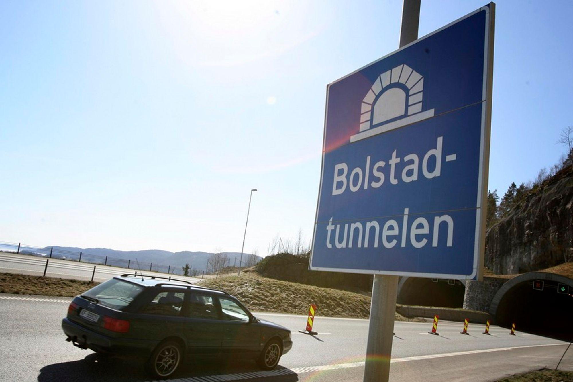 Bolstad-tunnelen på E-18 i Vestfold var blant dem som måtte sjekkes og sikres i våres etter ulykken i Hanekleivtunnelen.