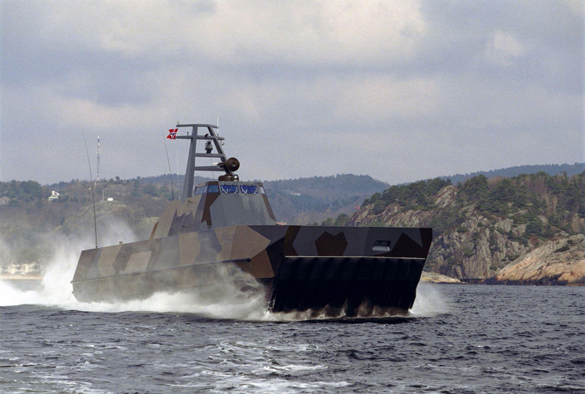 KNM Skjold er den første MTB-en i sin klasse. Forsvarssjefen vil sende alle MTB-ene rett på lager.