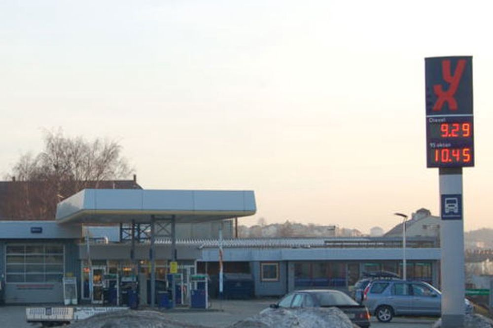 450 yx og Uno-X bensinstasjoner beholdt fobindelsen til Bankenes betalingssentral takket være mobilt system i bakhånd.