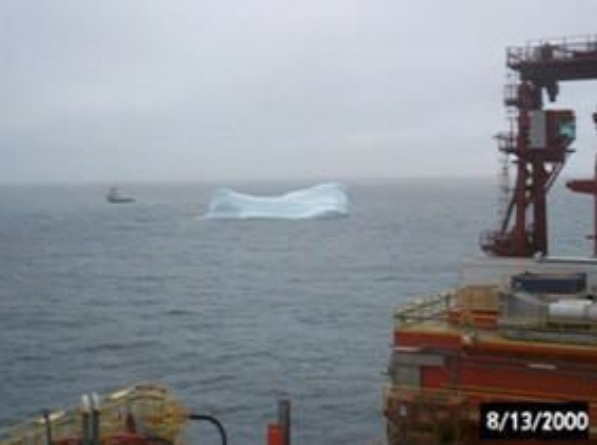 Isfjelltauing vest for Grønland under leteboring fra West Navion