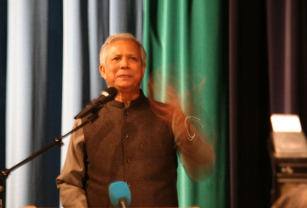 Fredsprisvinner 2006: Muhammad Yunus fra Bangladesh. Sto blant annet bak Grameenphone, der Telenor er storeier.