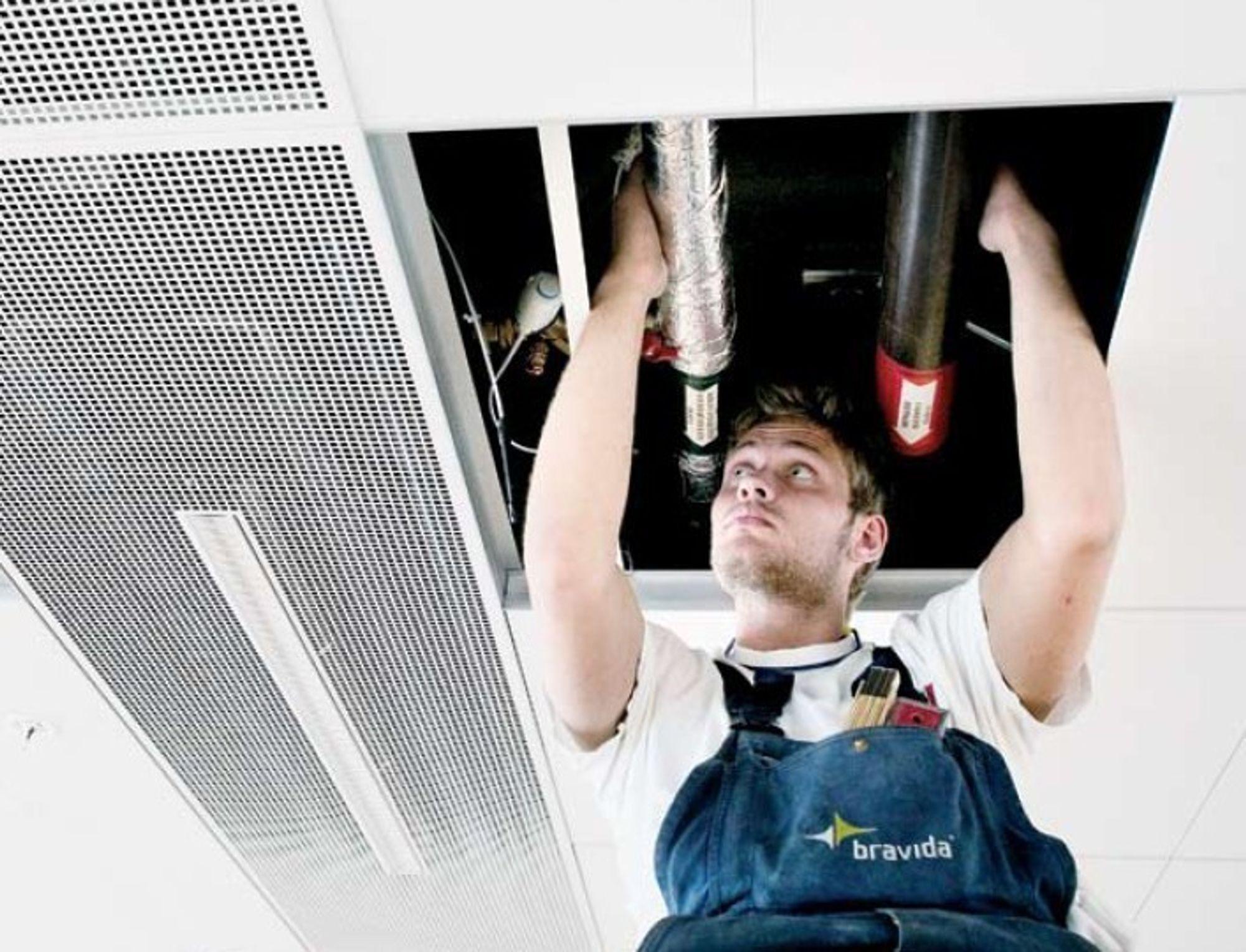 RYDDESJAU: 50 av Bravidas 1300 ansatte kan måtte gå. I dag starter ryddesjauen i det skadeskutte selskapet.